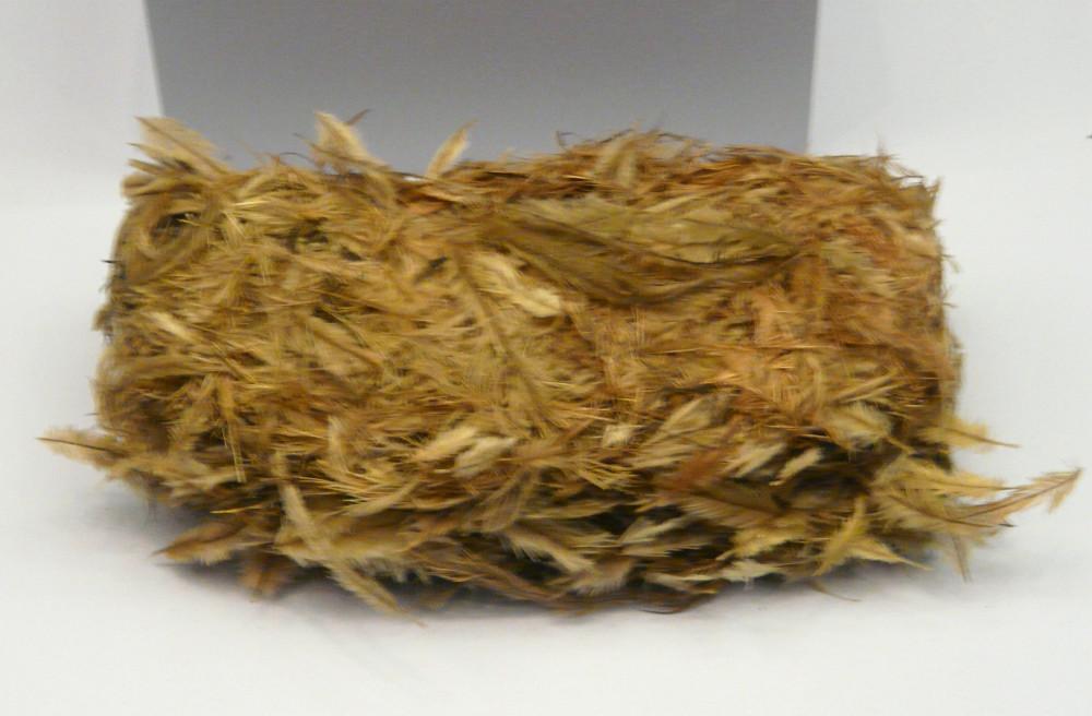 Vitrine Federn. Ein Paket Taubenfedern für tavau - Grundierung